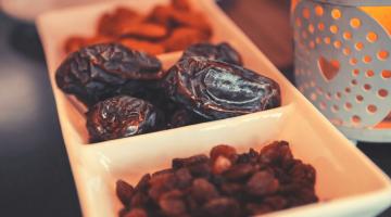 tray of dates, ramadan, lantern, iftar